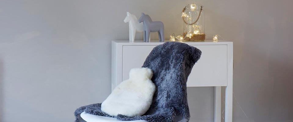 Lifestyle image rug and lighting